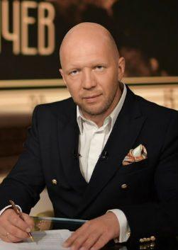 Анатолий Кузичев