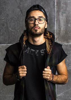 Рэпер Мот биография, фото, его возраст, личная жизнь, слушать песни онлайн 2020
