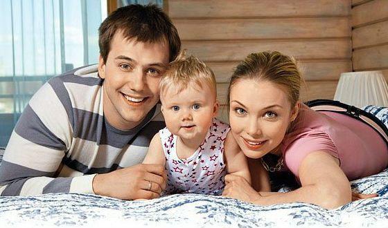 Татьяна Арнтгольц, Иван Жидков и их дочка Маша
