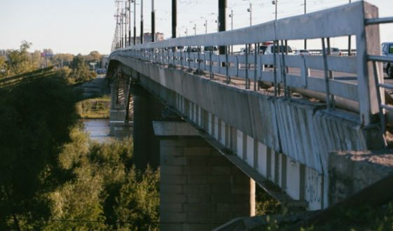 The bridge 60 years to VLKSM over the Irtysh river has a bad fame in Omsk