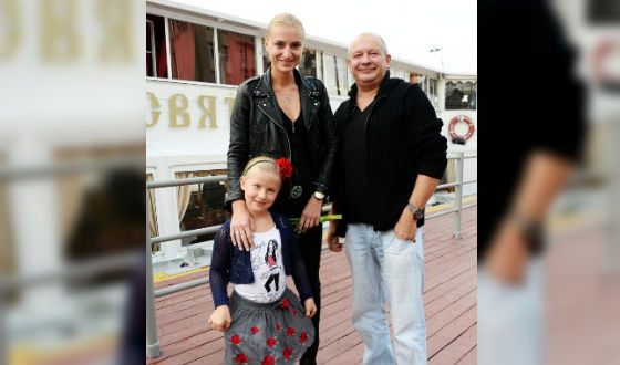 Dmitry Maryanov with his wife Ksenia and daughter Anfisa