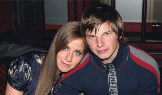 После 9 лет совместной жизни Аршавин бросил гражданскую супругу