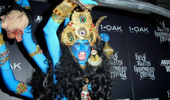 Heidi Klum in Halloween 2008: The Warlike Goddess Kali