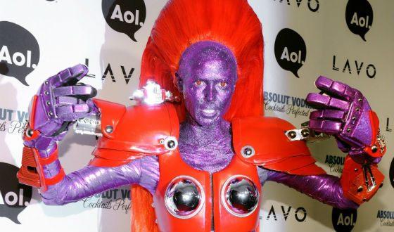 Heidi Klum in Halloween 2008: Alien Transformer