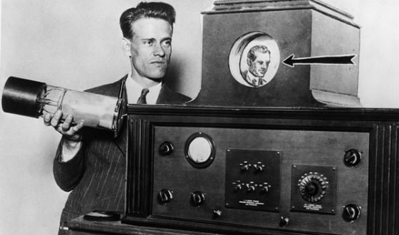 Philo Francoort came up with a prototype of a cathode ray tube