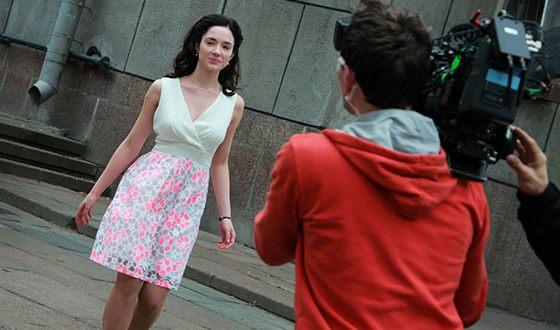 """Sonya Metelitsa on the set of the film """"The Rebellious"""""""
