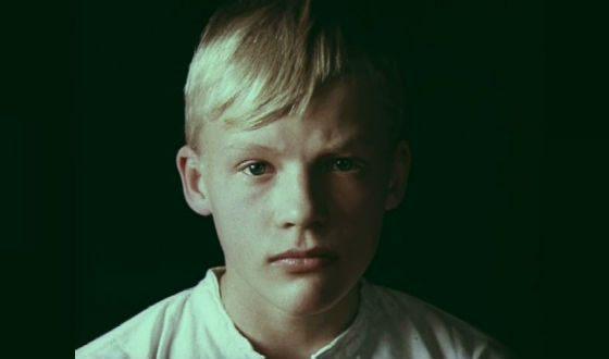Алексей Серебряков в детстве (кадр из х/ф «Алые погоны»)