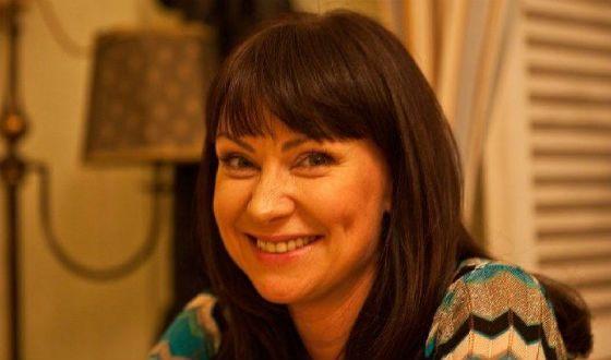 Нона Гришаева в костюме медсестры очаровала пользователей