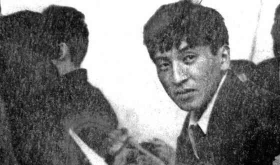 Sooronbay Zheenbekov during school years