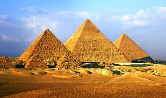 Пирамиды Гизы были созданы в качестве гробниц