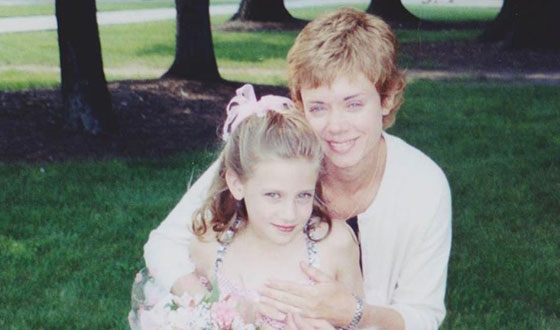 Lili Reinhart with her mom in childhood