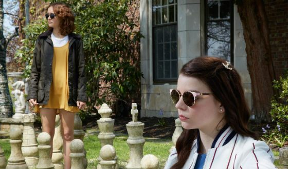 Anya Taylor-Joy and Olivia Cooke in the new film «Thoroughbreds»