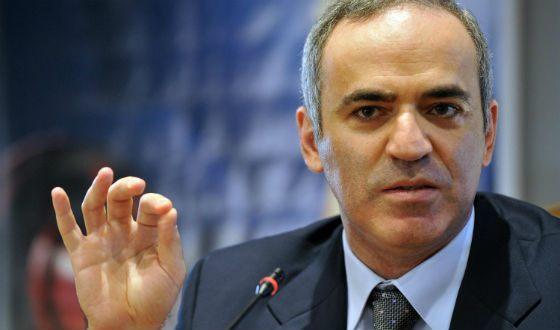 Garry Kasparov left chess and went into politics