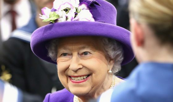Typically, Queen Elizabeth prefers plain clothes