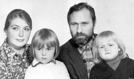 Мария Шукшина с родителями и сестрой