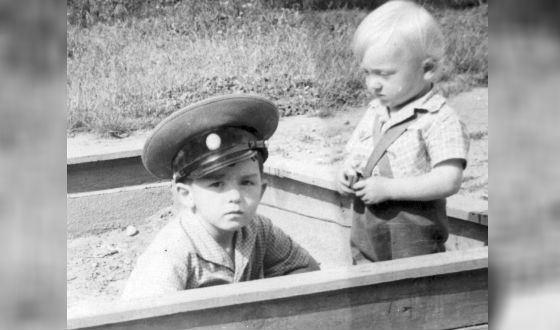 Детство Кантемира Карамзина прошло на засекреченной базе подводных лодок Бечевинка (Камчатка)