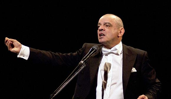 """In his one-man show, Raikin called Russia a """"necrophilic state"""""""