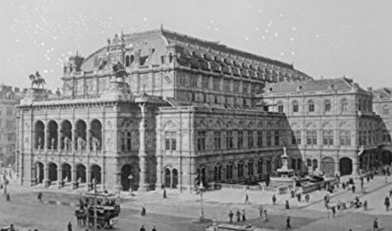 The old photo of Vienna State Opera (1900)