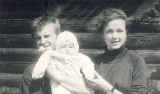 Timofey Tribuntsev with the first wife and daughter