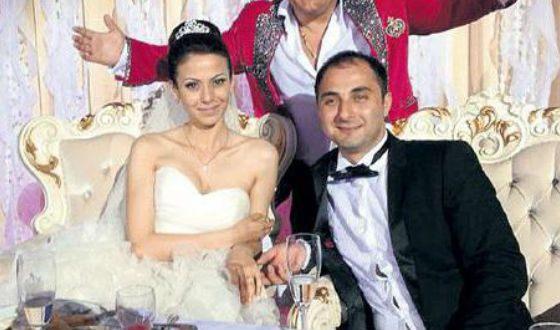 Фото со свадьбы Демиса Карибидиса