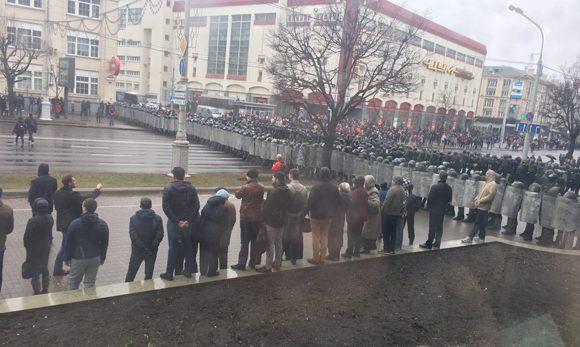 Police cordon in the center of Minsk