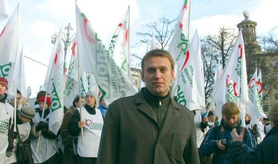 Alexei Navalny was a member of the party Yabloko