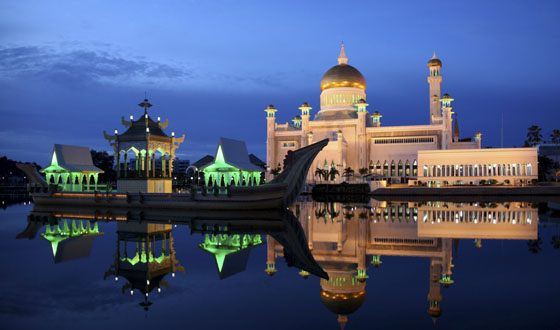 The palace of the Sultan Istana-Nurul-Iman is considered the most beautiful building in Brunei Darussalam