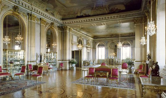 The royal chambers are made in different styles - from baroque to neo-classicism.