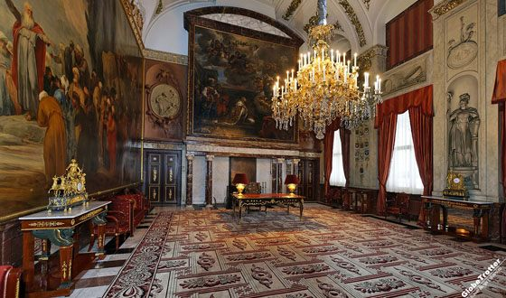 Luxurious decorations of the palace interiors