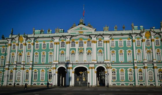 Winter Palace - one of the most majestic buildings in the northern capital