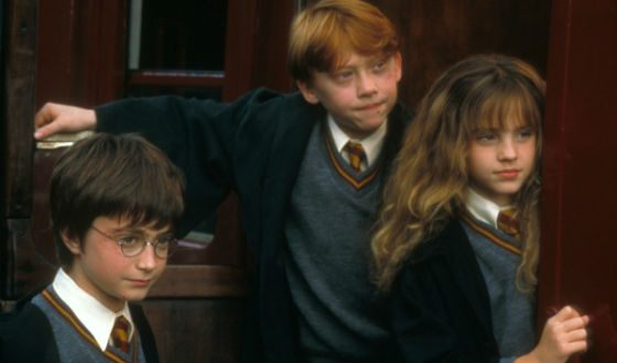 Daniel Radcliffe, Rupert Grint and Emma Watson on the set of the first Harry Potter movie