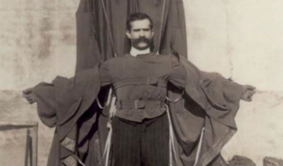 Parachute jump from the Eiffel Tower was fatal for Franz Reichelt