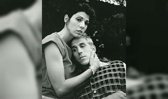 In the photo: Marisa Tomei and her brother Adam