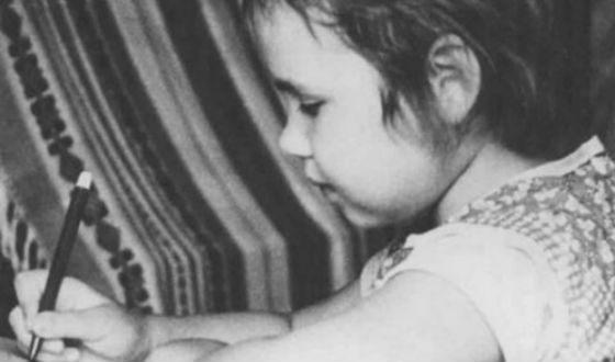 Саша Путря начала рисовать в младенчестве