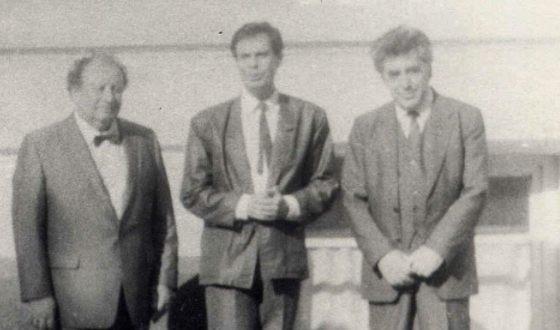 Молодой Ефим Шифрин с коллегами по эстрадному цеху