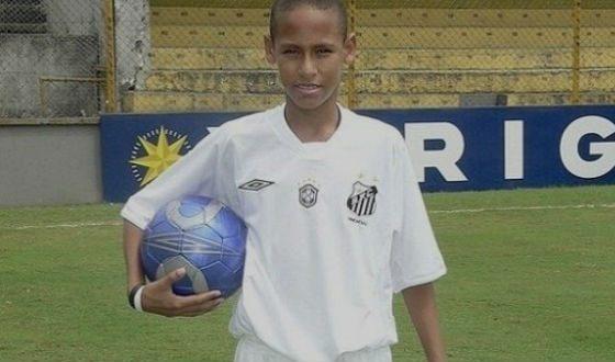 Био футболиста неймара