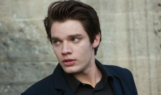 """After the """"Academy of Vampires"""" Dominic Sherwood became popular"""