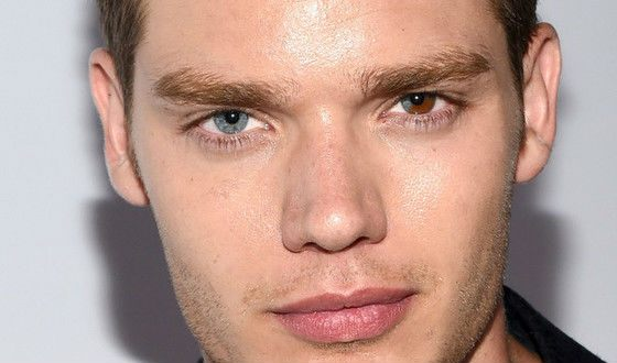 Dominic Sherwood's multi-colored eyes are his main highlight