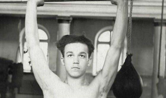 Молодой Кобзон – подающий надежды боксер