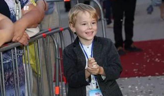 Михаил Боярский показал своего внука