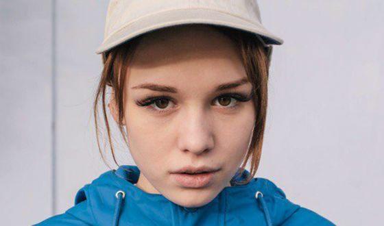 Девочка ебется с 19 лет видео