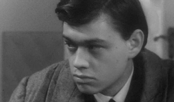 Первая роль Николая Караченцова в кино («...И снова май»)