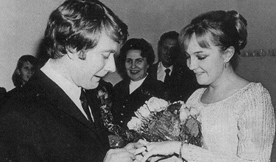 Parents of Maria Mironova: Andrei Mironov and Ekaterina Gradova