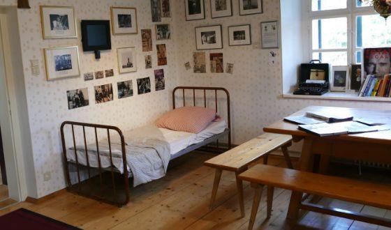 Комната, в которой прошло суровое детство Арнольда Шварценеггера