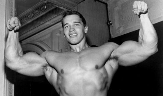 18-летний Шварценеггер демонстрирует физическую форму (1965 год)