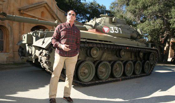 У Шварценеггера есть личный танк