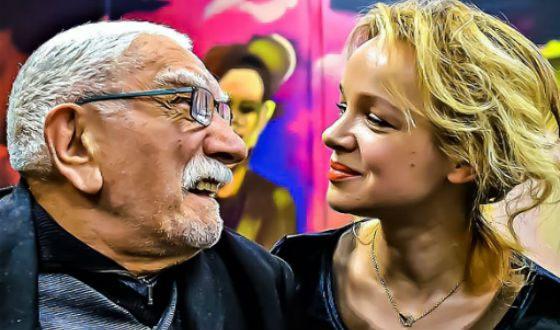 Дед и девочка трахает