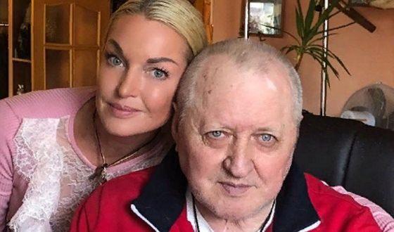 Анастасия Волочкова со своим отцом