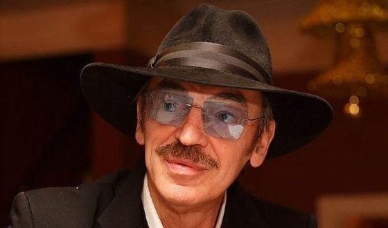 Михаил Боярский редко появляется на публике без шляпы