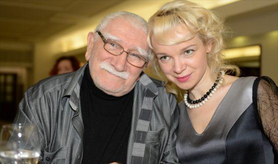 Vitalina Tsymbalyuk-Romanovskaya declares that she is waiting for her ex-husband at home